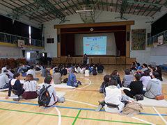 学校公開日、保護者の方にも<br>たくさんご参加いただきました。